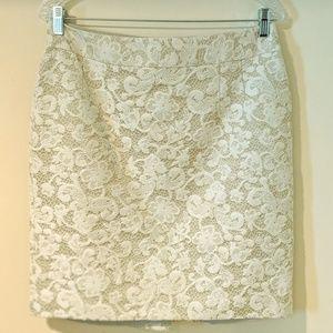 Banana Republic White Embroidered Pencil Skirt